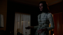 6x01 Megans outfits (09).png