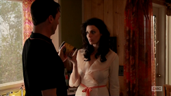 7x05 Megan's outfit 05.png