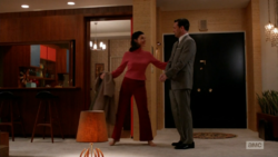 6x04 Megans outfits (02).png