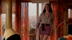 7x05 Megan's outfit 03.png