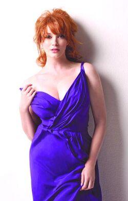 Christina-hendricks-page-six-magazine-photoshoot-mq-03.jpg