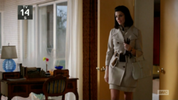 6x04 Megans outfits (04).png