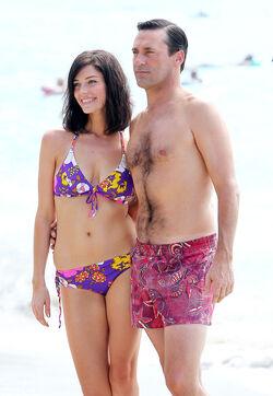 Mad-men-season-6-first-look-at-don-and-megan-s-beach-vacation.jpeg