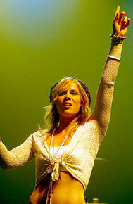Natasha-bedingfield-during-v-festival-2005-chelmsford-day-two-show-at-picture-id111583095