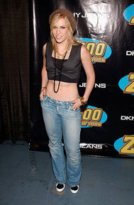 Singer-natasha-bedingfield-attends-z100s-jingle-ball-2005-on-december-picture-id56445780