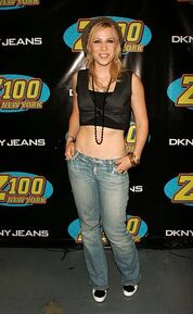 Natasha-bedingfield-during-z100s-jingle-ball-2005-press-room-at-in-picture-id451142115