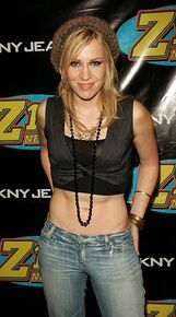 Natasha-bedingfield-during-z100s-jingle-ball-2005-press-room-at-in-picture-id451142189