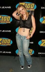 Natasha-bedingfield-during-z100s-jingle-ball-2005-press-room-at-in-picture-id451142117