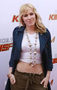Natasha-bedingfield-during-1027s-kiss-fms-wango-tango-2006-arrivals-picture-id111572772