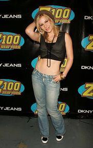 Natasha-bedingfield-during-z100s-jingle-ball-2005-press-room-at-in-picture-id451142119