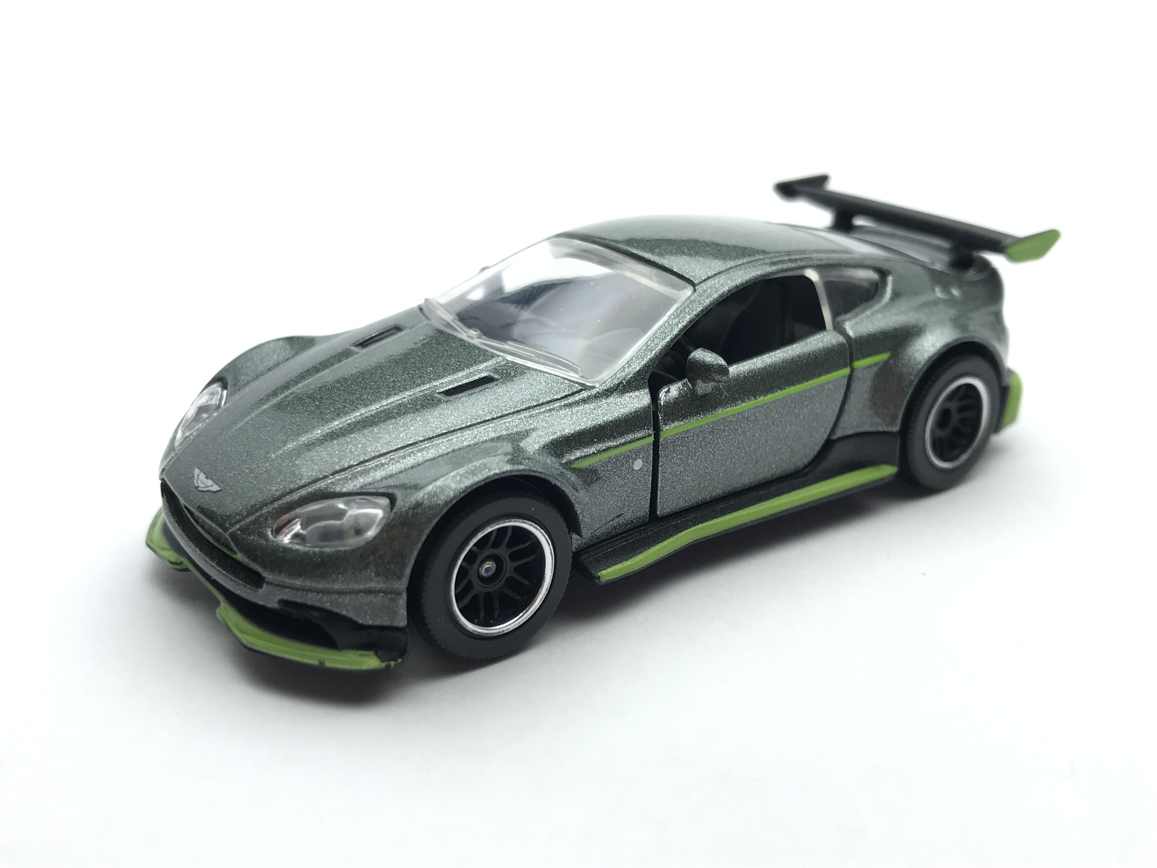 Aston Martin Vantage Gt8 Majorette Model Cars Wiki Fandom