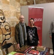 File:Steven Erikson posing with fan in Serbia