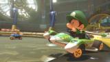 MK8 Screenshot Baby Luigi im Rennwagen