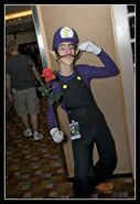 Super-mario-bros-waluigi-costume-1-