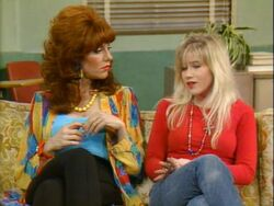 Married With Children episode - My Mom - Peg with Kelly.jpg
