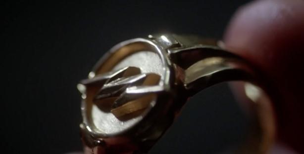 Flash's Costume Ring Arrow 001.jpeg