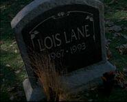 Lois Lane grave Tempus Anyone