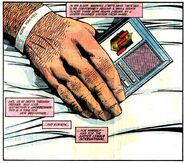 Justice League Signal Device 001