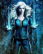 Caitlin Snow Arrow Earth-2 0001