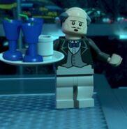 Alfred Pennyworth (Lego DC Heroes) 01