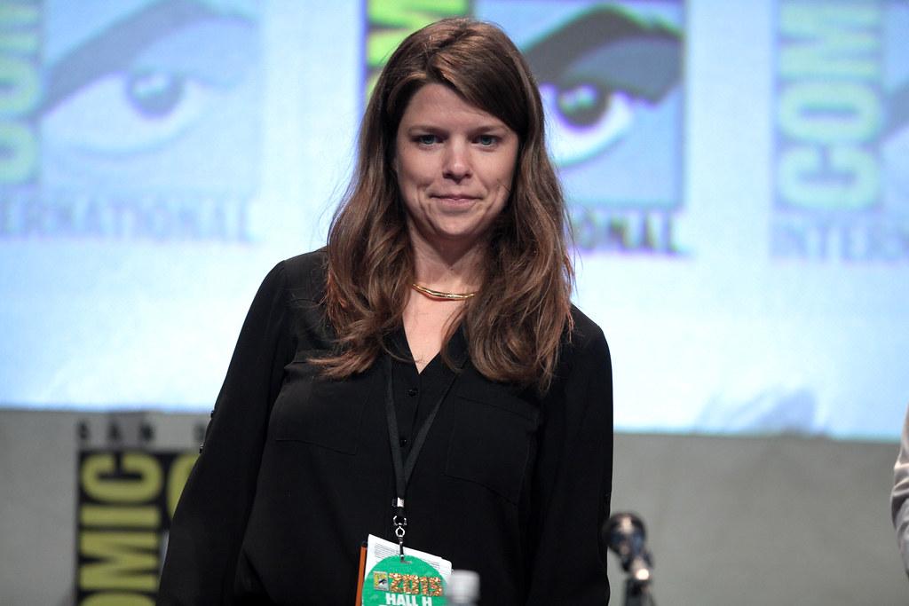 Caroline Dries