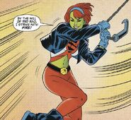 Miss Supermartian Earth 32 0001