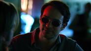 Murdock habla con Foggy en el Bar de Josie