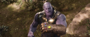 Thanos completa el Guantelete del Infinito