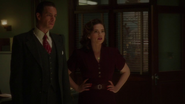 Carter y Jarvis en el laboratorio de Stark