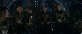 Rhodes Romanoff y Rogers levantan la mano