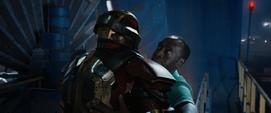 Rhodes cargado por una armadura