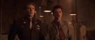 Rogers y Stark ven a Carter