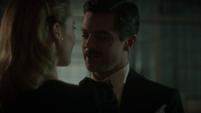 Stark coqueteando con Underwood