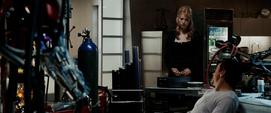 Potts acepta ayudar a Stark con los Diez Anillos
