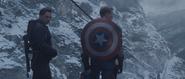 Steve y Bucky en la montaña