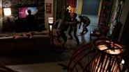 Hill y Coulson enfrentan a los militares
