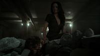 Aida encuentra a Ivanov moribundo