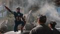 Capitan America liderando a los policias