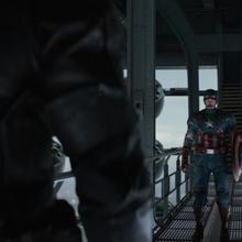 Rogers a punto de pelear con el Soldado del Invierno.png