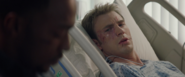 Steve despierta en el hospital