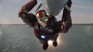 Stark dirige el misil