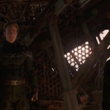 Rogers Romanoff y Banner ven a Thanos muerto.png