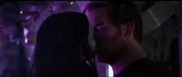 Quill besa a Gamora