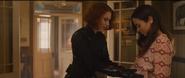 Romanoff toca a Laura embarazada