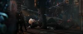 Thanos pisando al Coleccionista