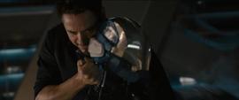 Stark desactiva un robot