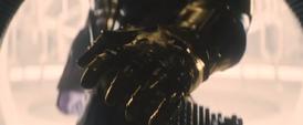 Thanos usa el Guantelete del Infinito