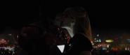 Stark y Potts besándose - IM2