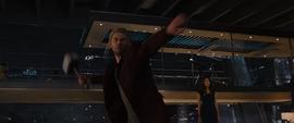 Thor a punto de destruir el cuerpo principal de Ultron