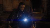 Loki a punto de comunicarse con El Otro